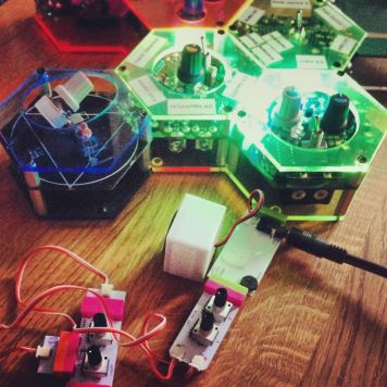 Molecule Synth and littleBits synth