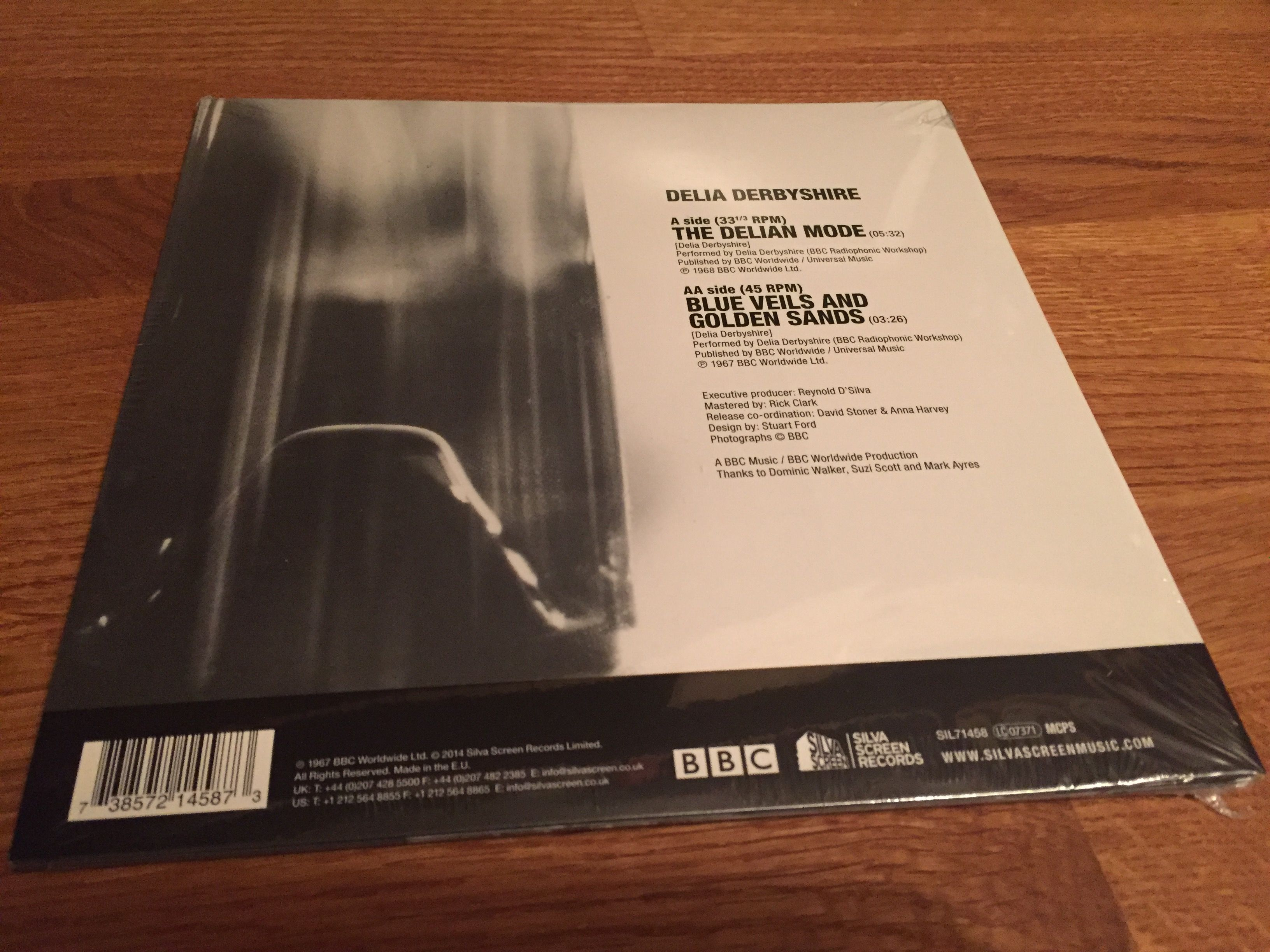 Delia Derbyshire - The Delian Mode