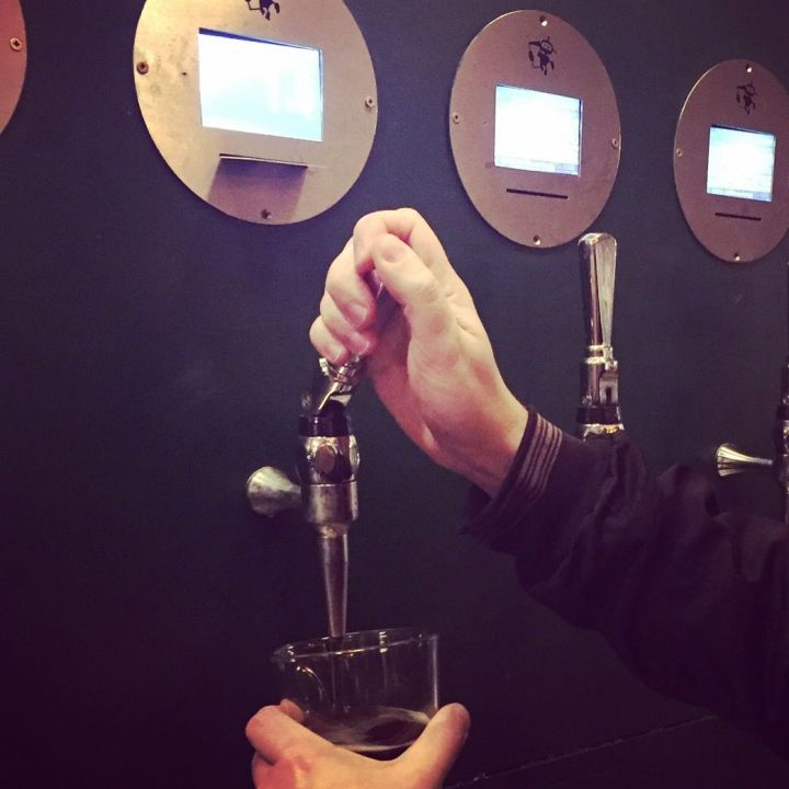 Craft beer, pulling your own pint
